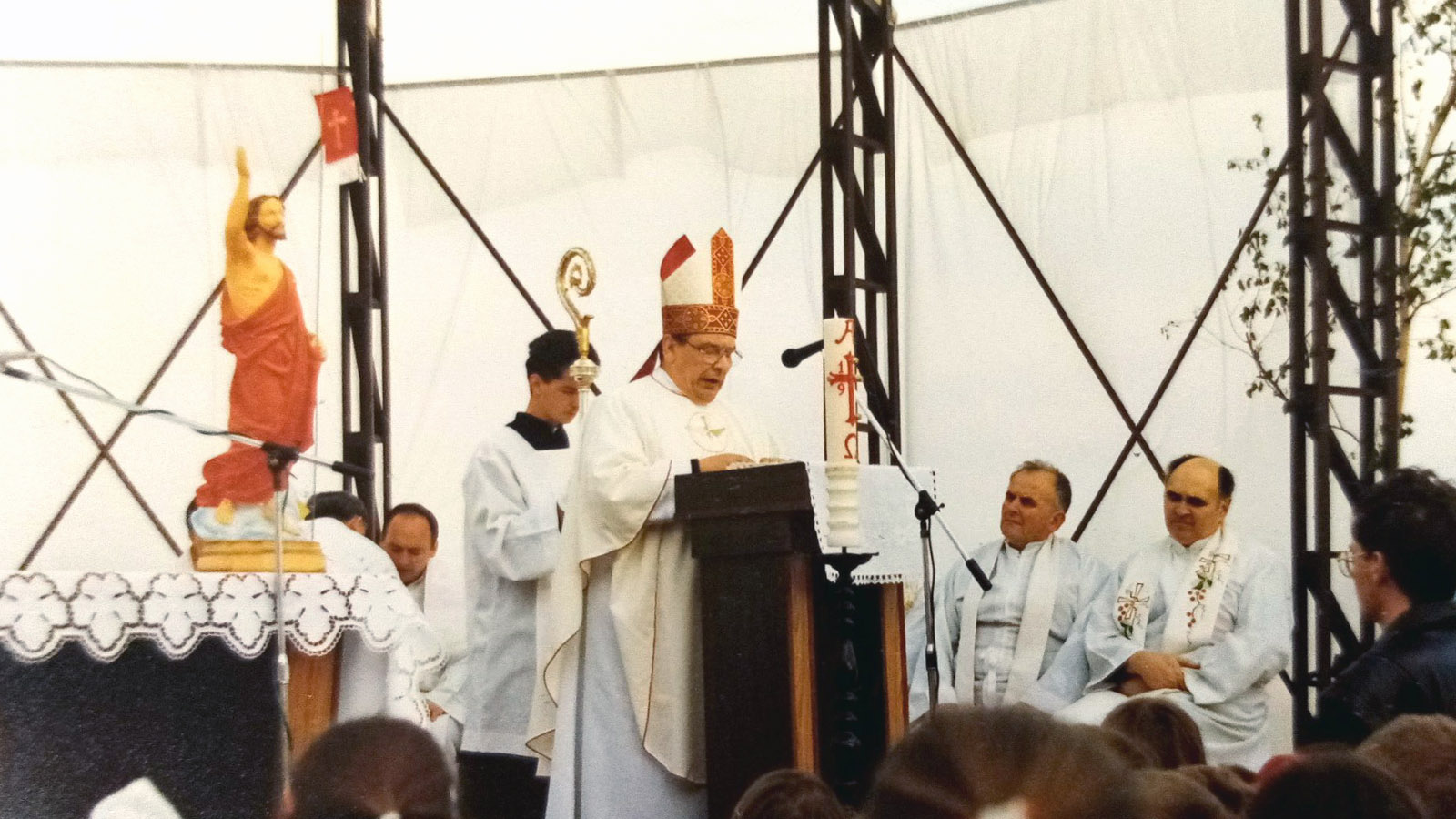 1994 Posvätenie pozemku