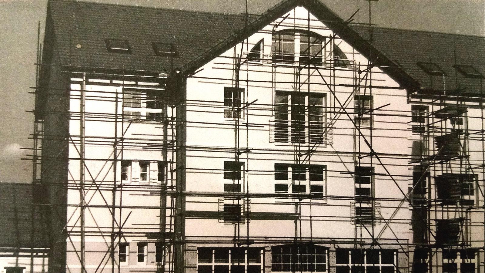 1996 - Stavba oratória napreduje