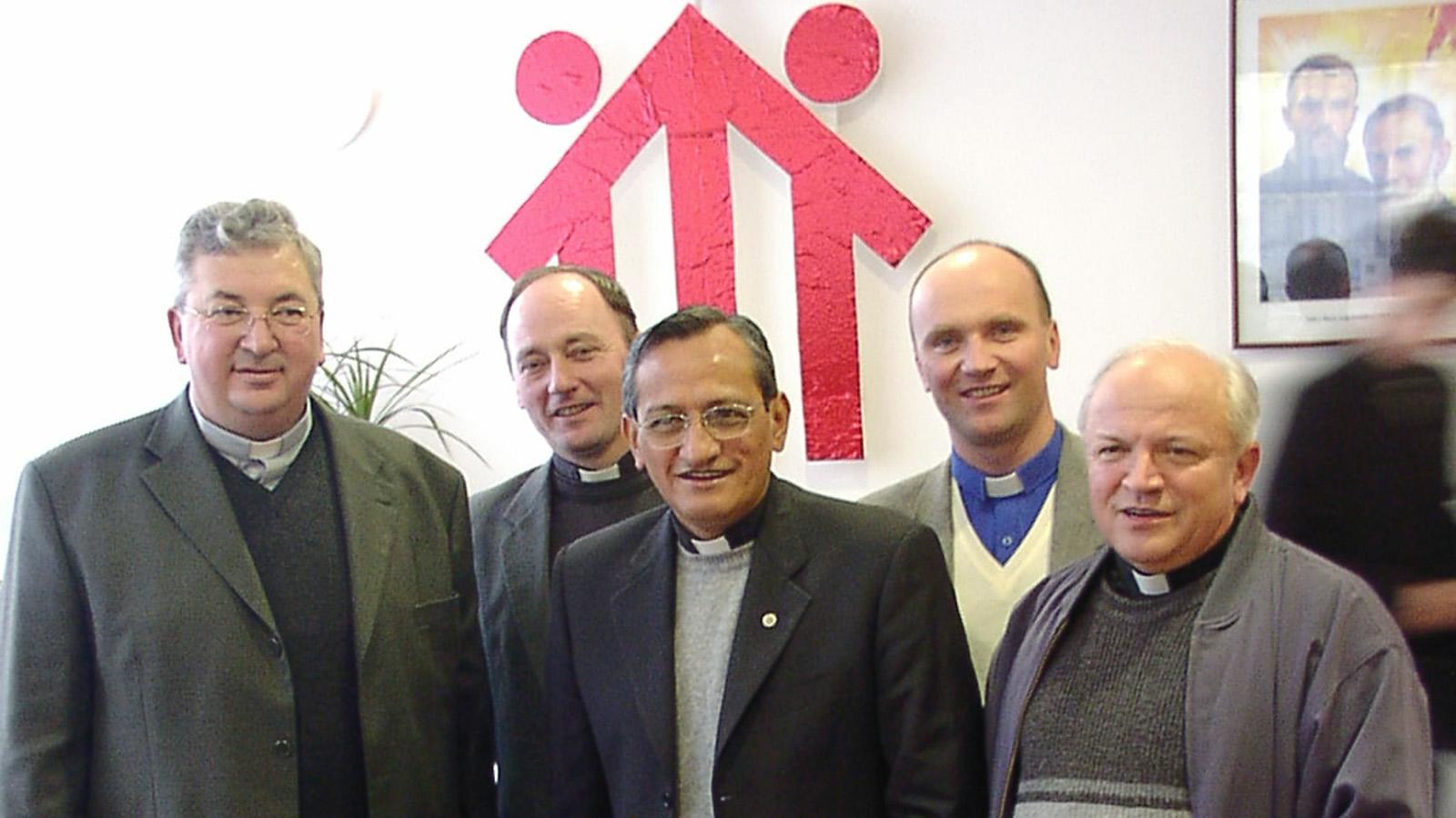 2004 - Pascual Chavez navštívil Slovensko
